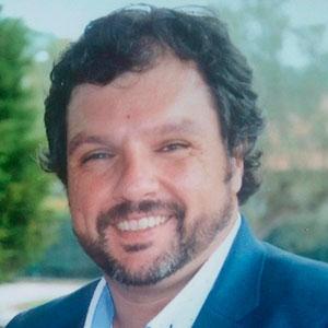 Angel Espiniella docente de Mediación en Comercio Internacional